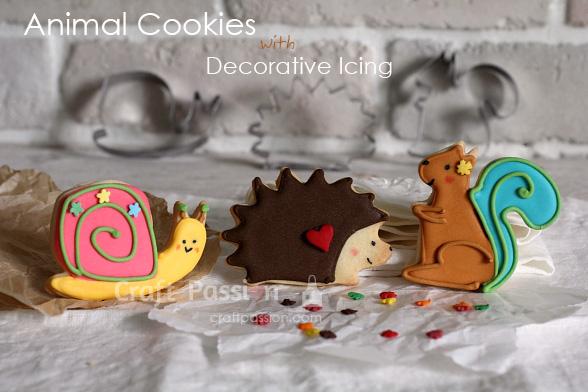 decorating animal cookies