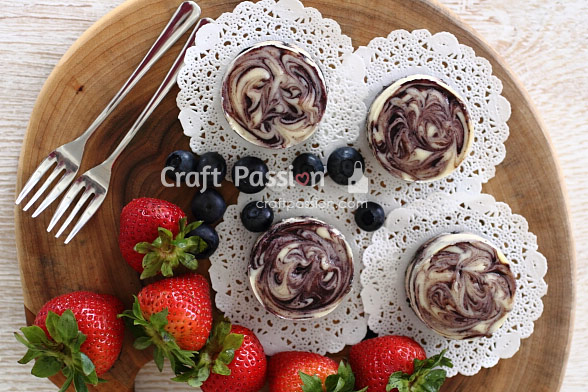 marble blueberry mini cheesecake