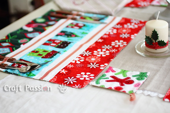 Christmas Placemats Coasters Set - Free Sewing Pattern