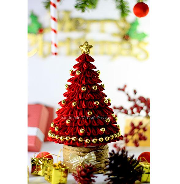 pretty red christmas tree