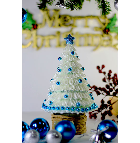 white kanzashi christmas tree