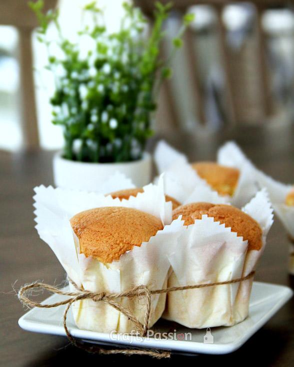 Paper Wrapped Mini Sponge Cake Recipe