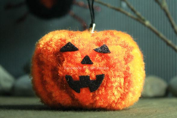 Pom Pom Pumpkin jack o lantern