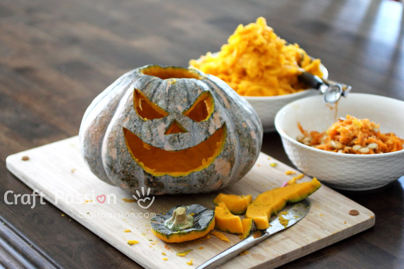Pumpkin Carving With Simple Cutlery