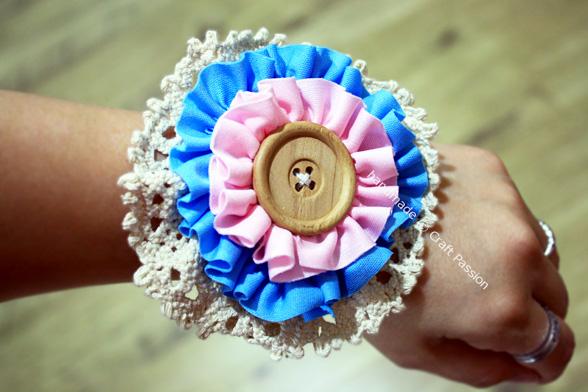 Ruffles Flower hand corsage