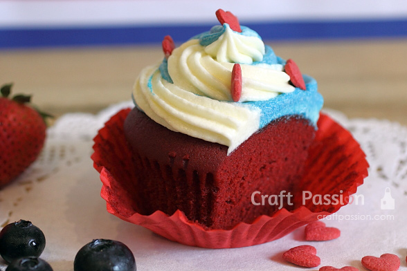 4th july red velvet cupcake
