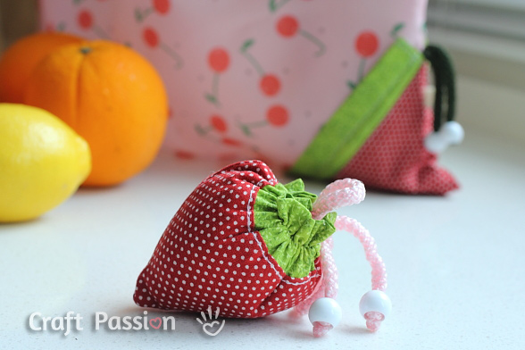 sew strawberry grocery bag