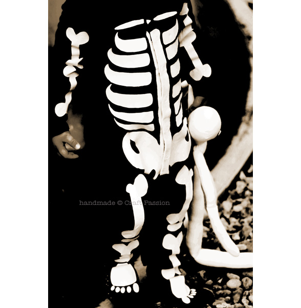 how to stenciled skeleton costume
