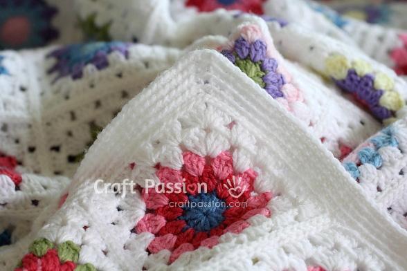 Sunburst Granny Square Blanket - Free Crochet Pattern