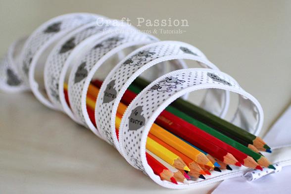 zip-it-up pencil pouch