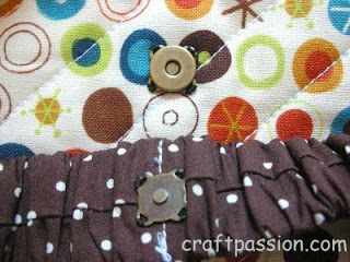 magnet button in tote