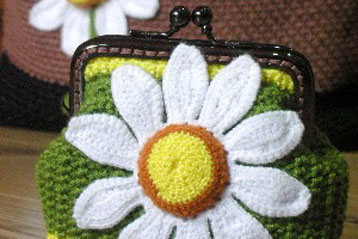 Crochet Daisy Coin Purse