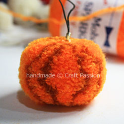 Pom-Pom-Pumpkin-11