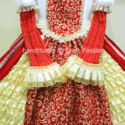 queen gown costume