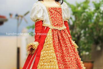 queen gown art