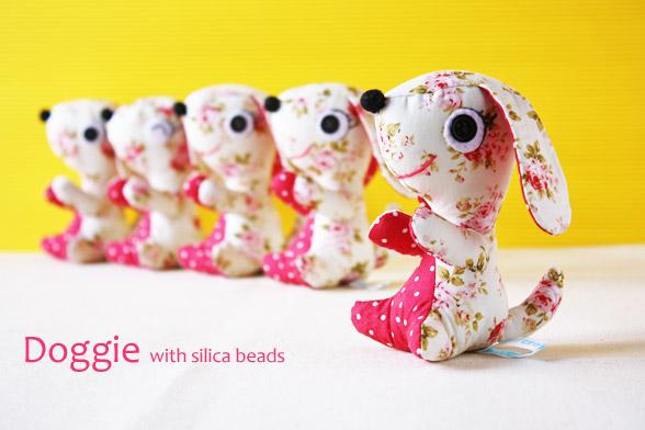 Doggie silica beads moisture control