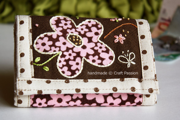 Sewing: Trifold Floral Wallet