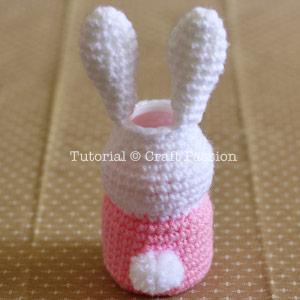 bunny tail pom pom
