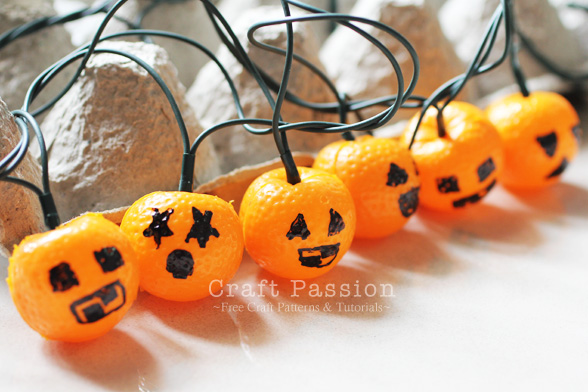 Holiday light mini jack o lanterns