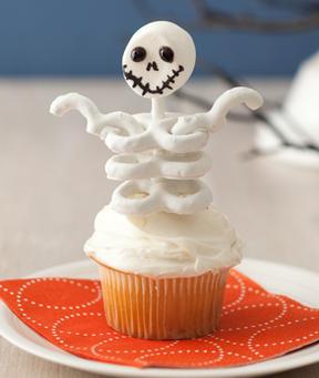 Skeleton Cupcakes Recipe recipemain