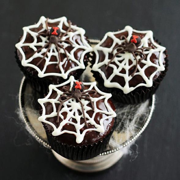 black widow spider chocolate rum cupcakes