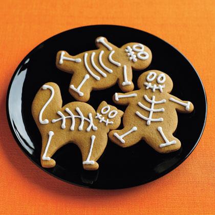 gingerbread skeletons cookies halloween recipe photo