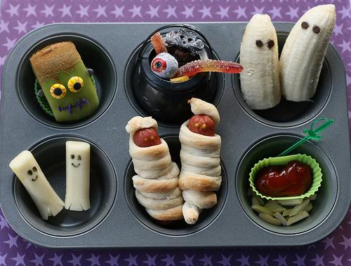 halloween lunch in muffin tin