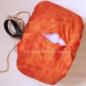 sew pumpkin bag
