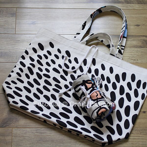 reversible jumbo tote bag