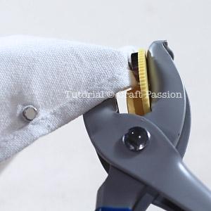 eyelet crimping tool