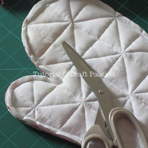 sew patchwork oven mitt 12