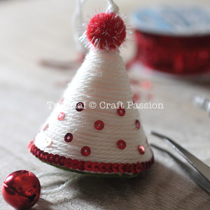make christmas tree ornament 11