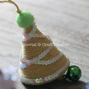 make christmas tree ornament 13