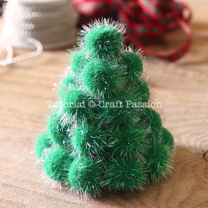 make pom pom christmas tree 6