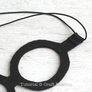 DIY-minions-goggle-mask-1