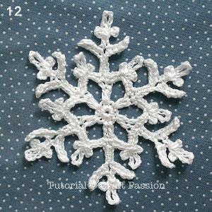 crochet-snowflakes-coasters-12