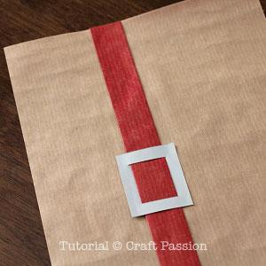santa-belt-gift-wrapper-3