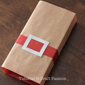 santa-belt-gift-wrapper-4