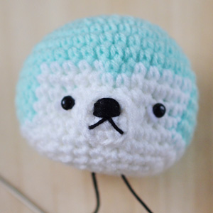 mouth shaping of amigurumi puppy