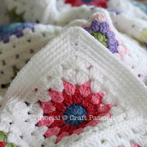 how to join two knitted pieces with crochet