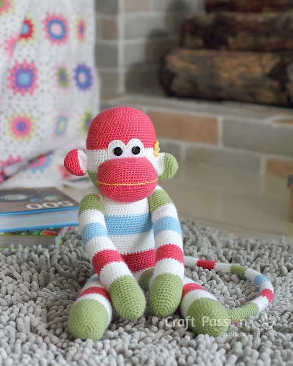 Amigurumi monkey girl | Crochet toys and patterns | lilleliis | 735x588