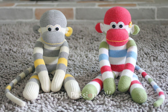 Sock Monkey Amigurumi - Free Pattern | Craft Passion | 392x588