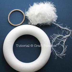 1 fancy yarn wrap wreath