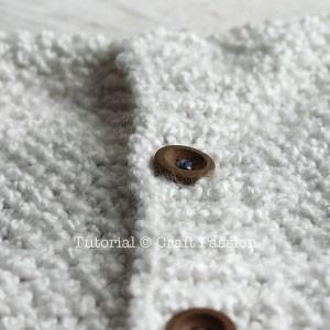 7-button-up-knit-cushion