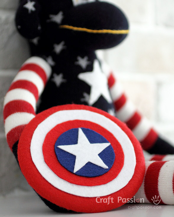 DIY toy Captain America's shield