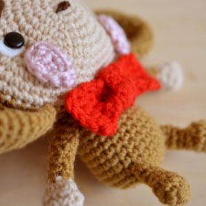 monkey amigurumi attach bow tie