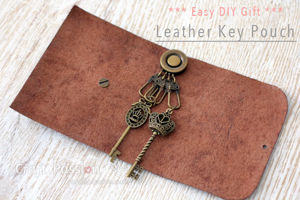 Leather Key Pouch {No-Sew}
