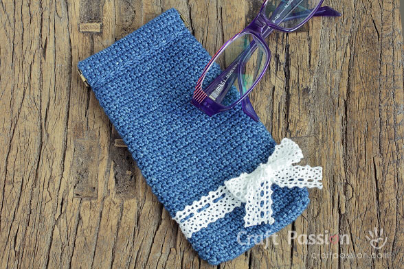 crochet glasses bag