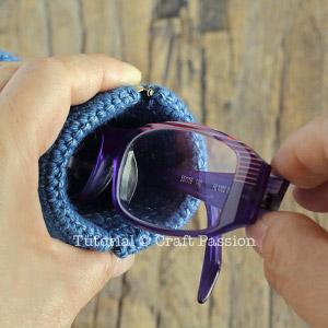 crochet squeeze flex frame glasses pouch