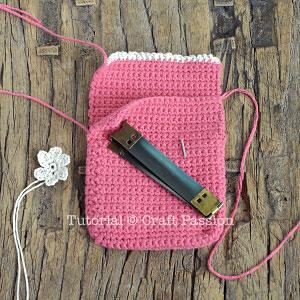 crochet squeeze flex frame pouch